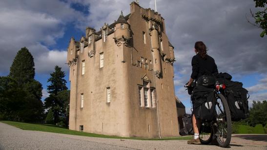 castle scotland cycling