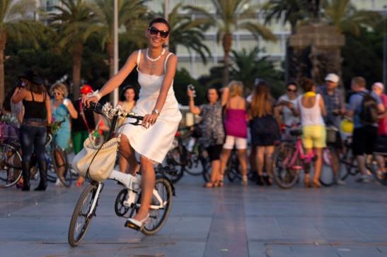 süslü kadınlar bisiklet turu izmir