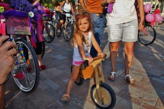 Denge Bisikletli Kız / Fotoğraf : Gürol Demirutku